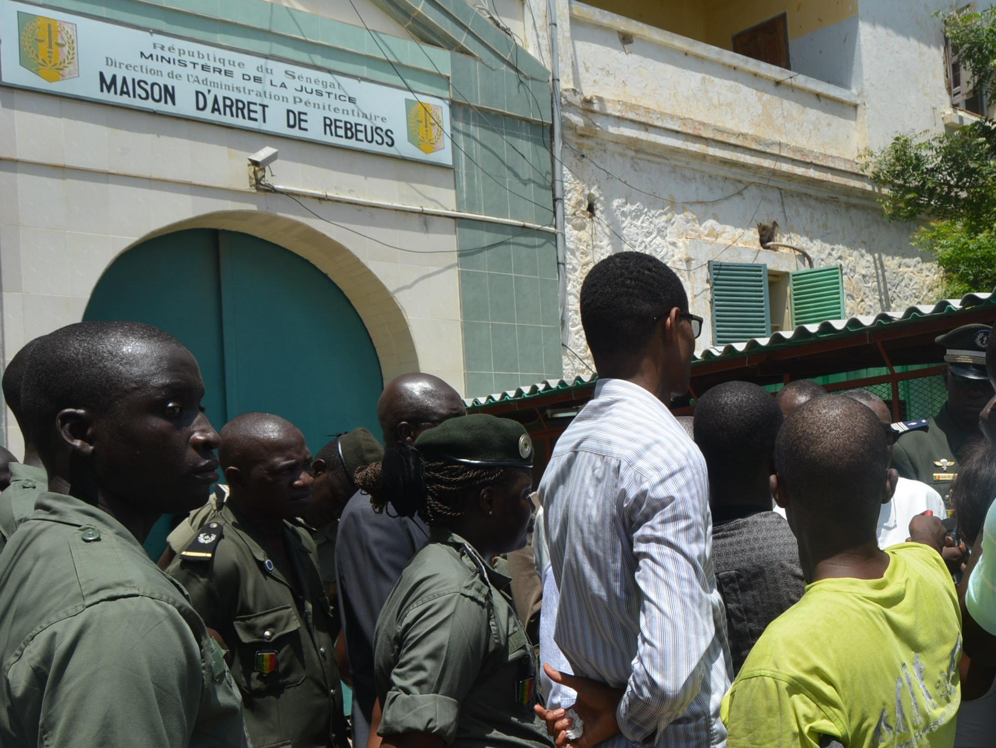 Affaire du navire nigérian immobilisé: 14 membres de l'équipage toujours en détention à Rebeuss…, 2 sont morts