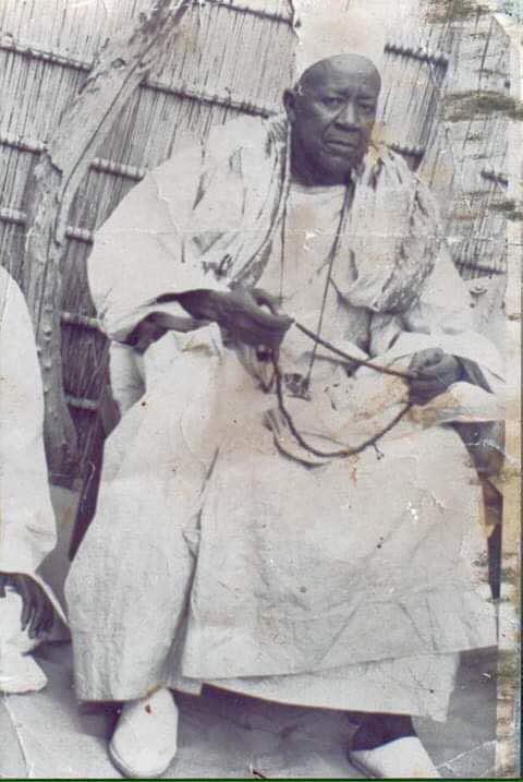 Photos :  Serigne Fallou Mbacké en noir et blanc