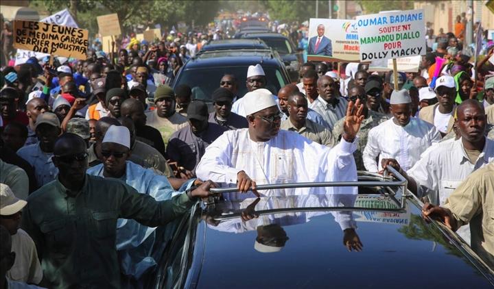 """Macky Sall à Kébémer : """"L'opposition est déjà chez Ardo, avant même le démarrage du combat"""""""