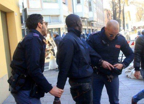 Italie : Un Sénégalais de 21 ans tombe avec 23 doses d'héroïne
