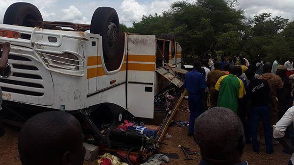 Accidents en série impliquant 2 bus à Tamba: 15 blessés dont 7 graves