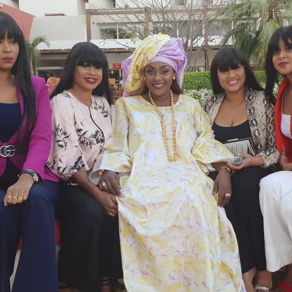 Adja s'affiche plus belle que jamais en « Sagnsé Sénégalaise »