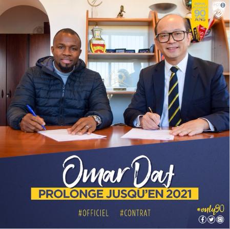 Omar Daf prolonge (officiel)