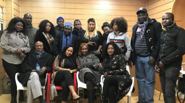 ESPAGNE: Pour le départ de Macky SALL, des Sénégalais de la diaspora créent «Jog Jotna »