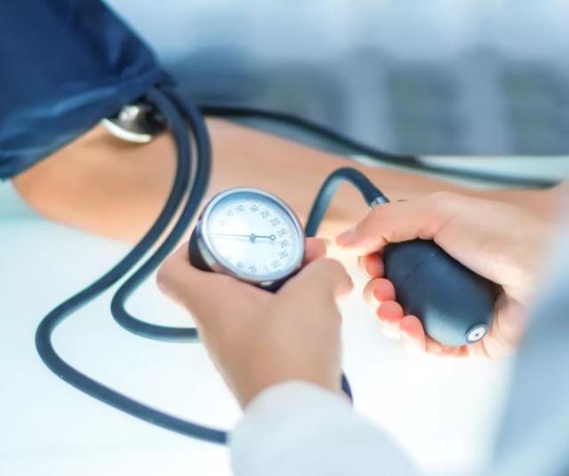 Hypertension: l'alimentation fait mieux que les médicaments pour baisser la tension