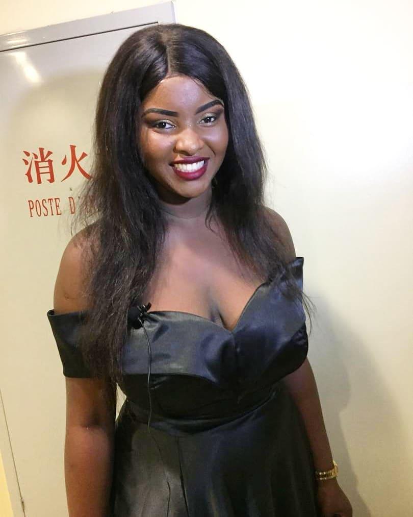 8 Photos : Abiba, les photos sexy de Abiba qui emballent la toile