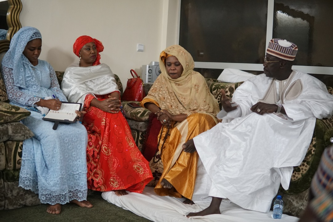 17 photos : Visite de courtoisie de Sokhna Bousso, la femme d'Aliou Sall à l'association des jeunes marabouts Mbacké Mbacké