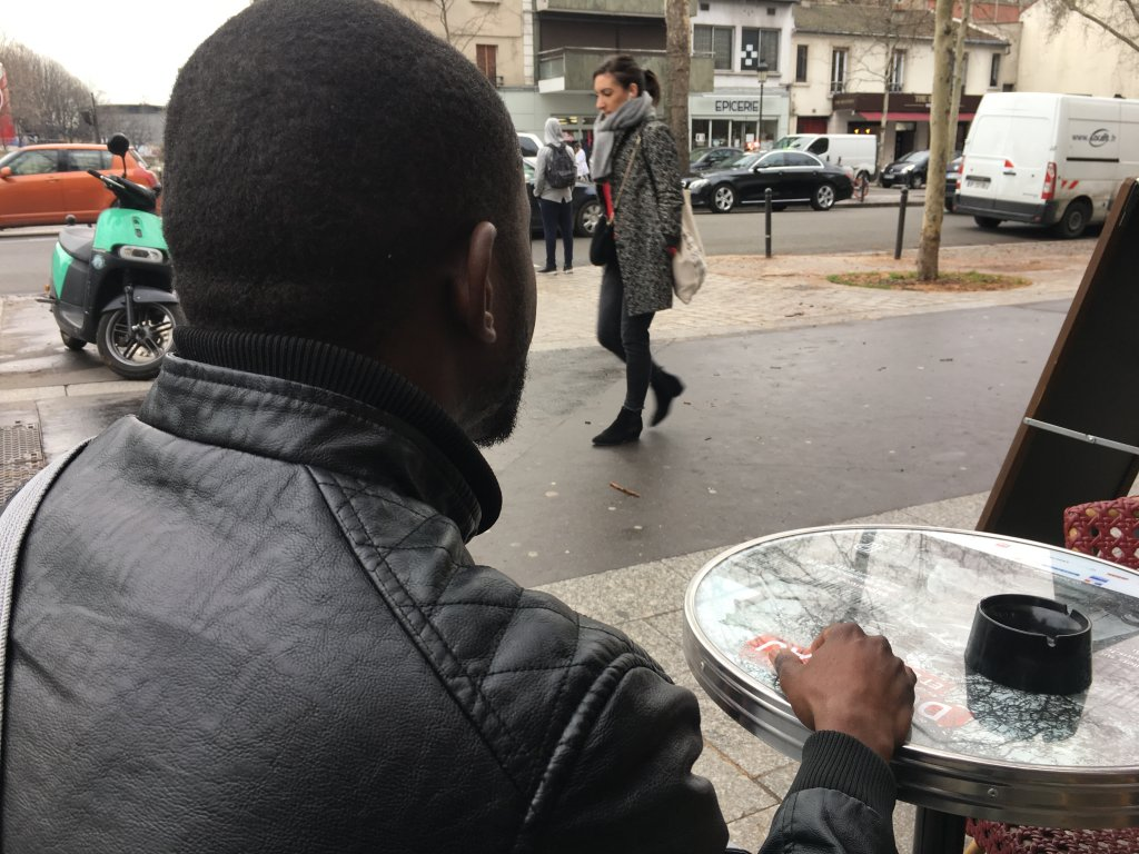 """Sissoko, Malien de 31 ans : """"J'ai posé l'enfant deux secondes sur le bord du canot, je me suis retourné, il n'était plus là"""""""