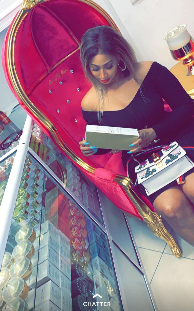 Photos : Diaba Sora, la Kim Kardashian malienne de retour à Dakar