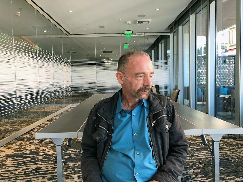 Timothy Brown, lundi à Seattle. Le «patient de Berlin» est la première personne à avoir été guérie du sida. Photo Manuel Valdes. AP