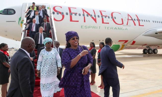 Airbus A330 Neo de Air Sénégal:  l'avion à Dakar avec 13 tonnes de dons pour Marième Faye Sall
