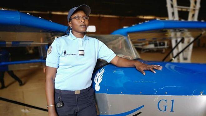 A la découverte de Mame Rokhaya Lô, seule femme pilote dans l'armée sénégalaise