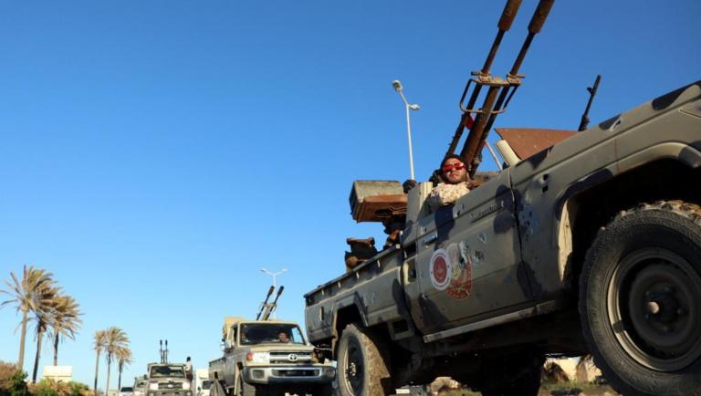 Libye: premiers bombardements aériens autour de Tripoli