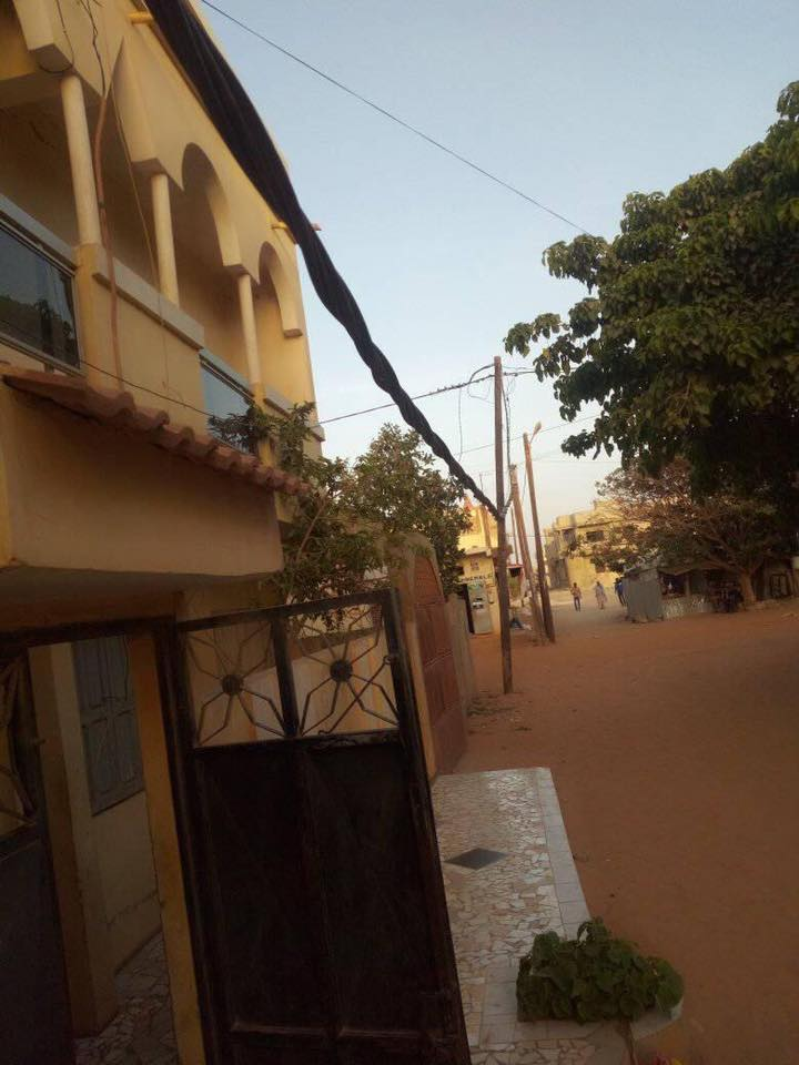 Alerte:  Danger à Kounoune, un fil électrique presque à terre depuis plus d'un an