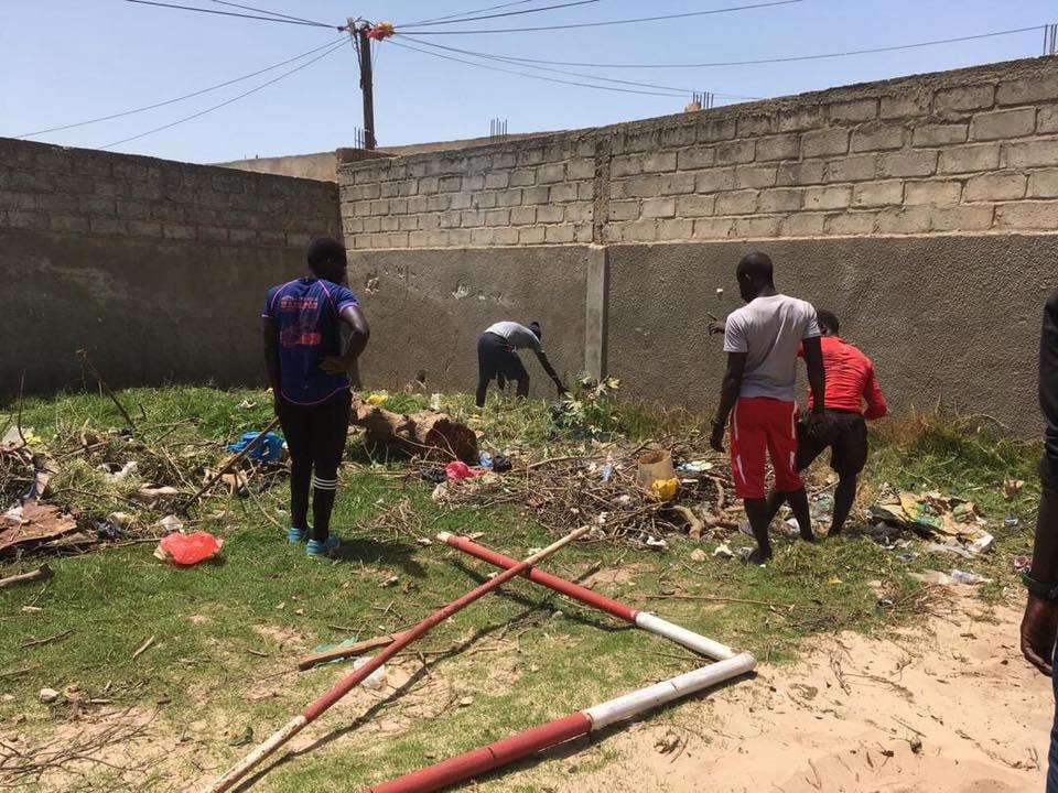 TrashChallenge : Village de guerre nettoie de fond en comble le lycée de Thiaroye