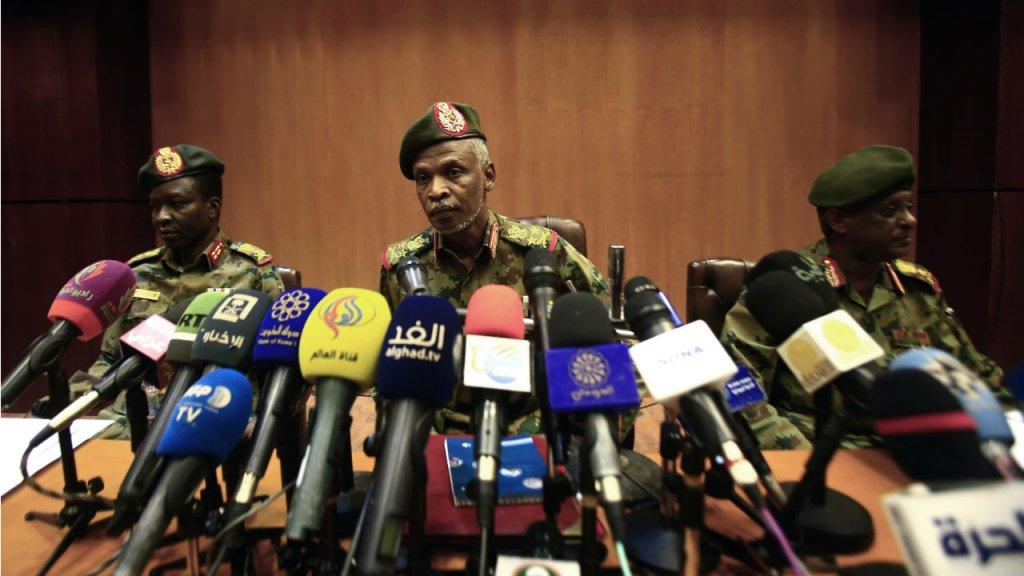 Soudan:  Omar el-Béchir ne sera pas extradé, affirme le nouveau pouvoir militaire