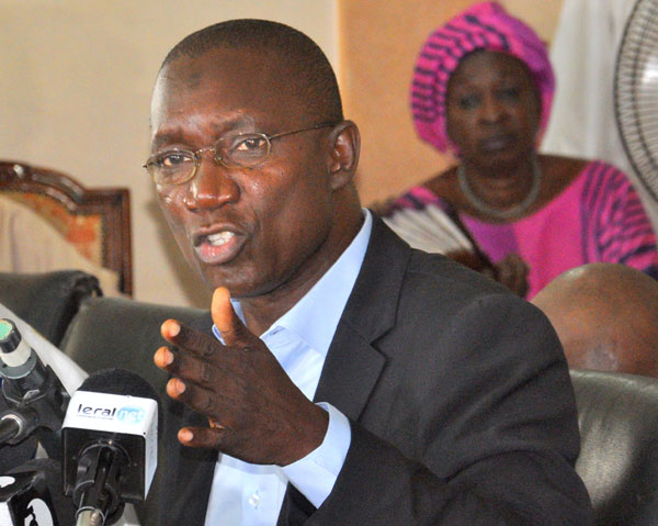 Gouvernement Fast-track : Me Sall raille Macky