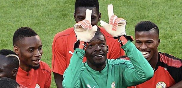 """Double fracture tibia-péroné : les """"Lions"""" soutiennent Khadim Ndiaye"""