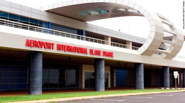 13 heures de retard du vol Air Sénégal : un passager raconte son calvaire à l'AIBD…
