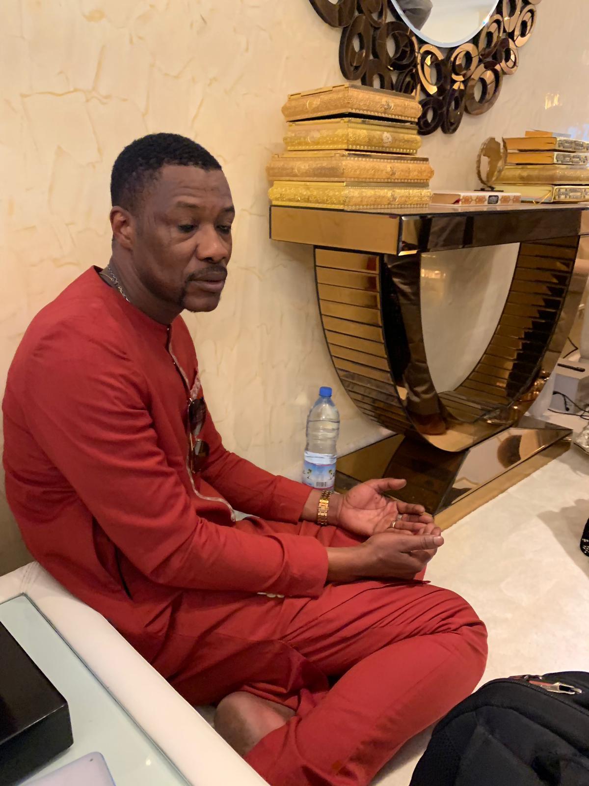 Tange Tandian, le D.E de l'Omart en mode talibé chez Serigne Abdou Karim Mbacké.