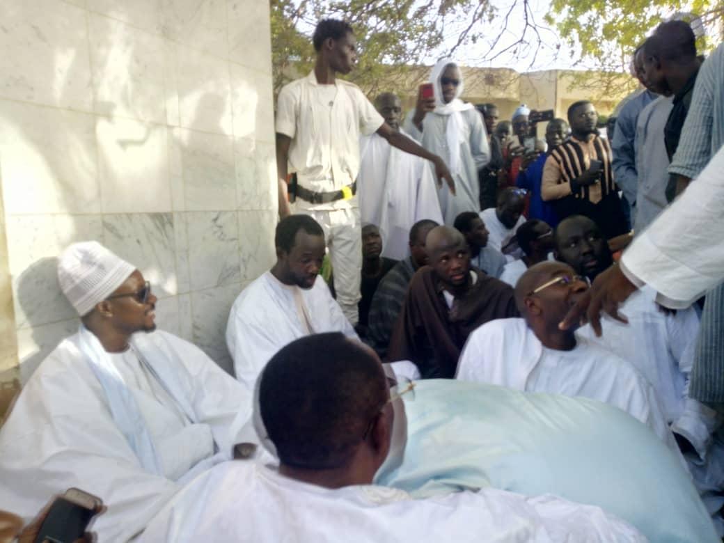 Les touchantes images de l'arrivée de la dépouille de Cheikh Béthio à Touba