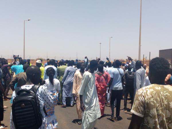 Un régiment de Thiantacounes en route pour Touba, pour empêcher l'enterrement de Béthio Thioune