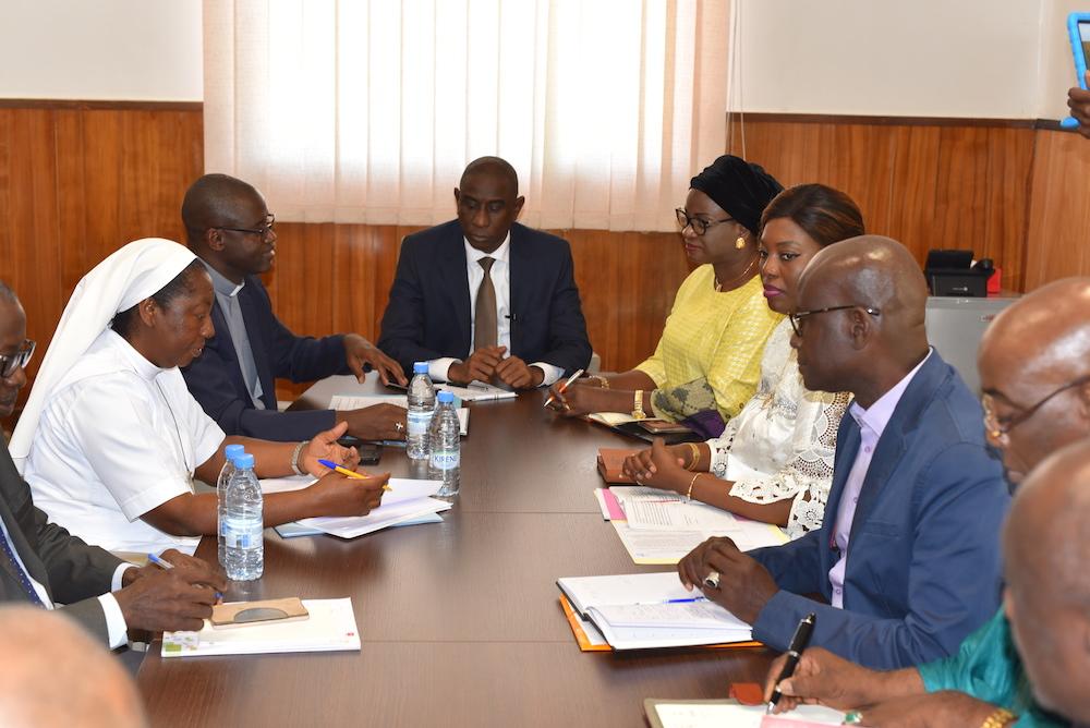 Port du voile à Sainte Jean d'Arc, Mamadou TALLA reçoit une délégation de l'école.