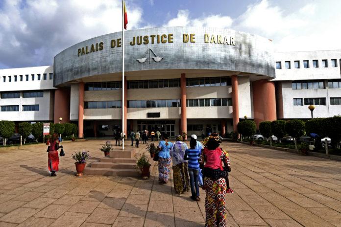 La décision portant grâce du trafiquant guinéen, peut-elle être attaquée ?