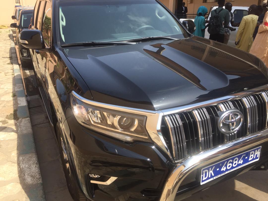 Ce proche de Macky Sall s'offre une voiture à 45 millions FCfa et crée la polémique (photos)