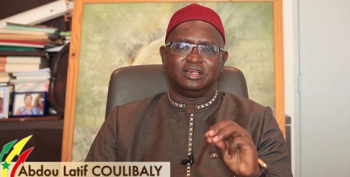 Abdou Latif Coulibaly : « le code de 1992 n'a été consensuel qu'en 2000, après la victoire de Wade »