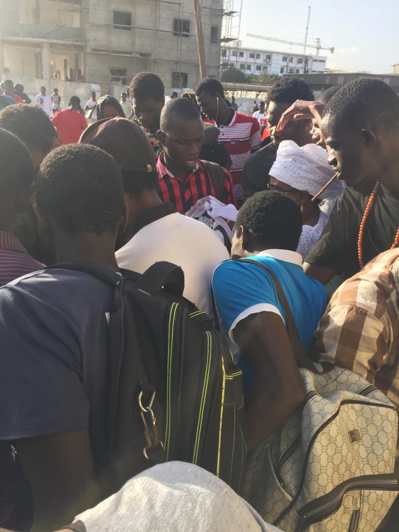 """PHOTOS - 4000 """"kits Ndogou"""" : Me Nafissatou DIOP CISSE gâte les étudiants .."""