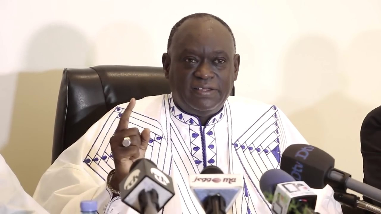 Me El Hadji Diouf accuse : « ce sont ces associations des droits de l'homme dirigées par des francs-maçons (...), qui s'opposent à la peine de mort »
