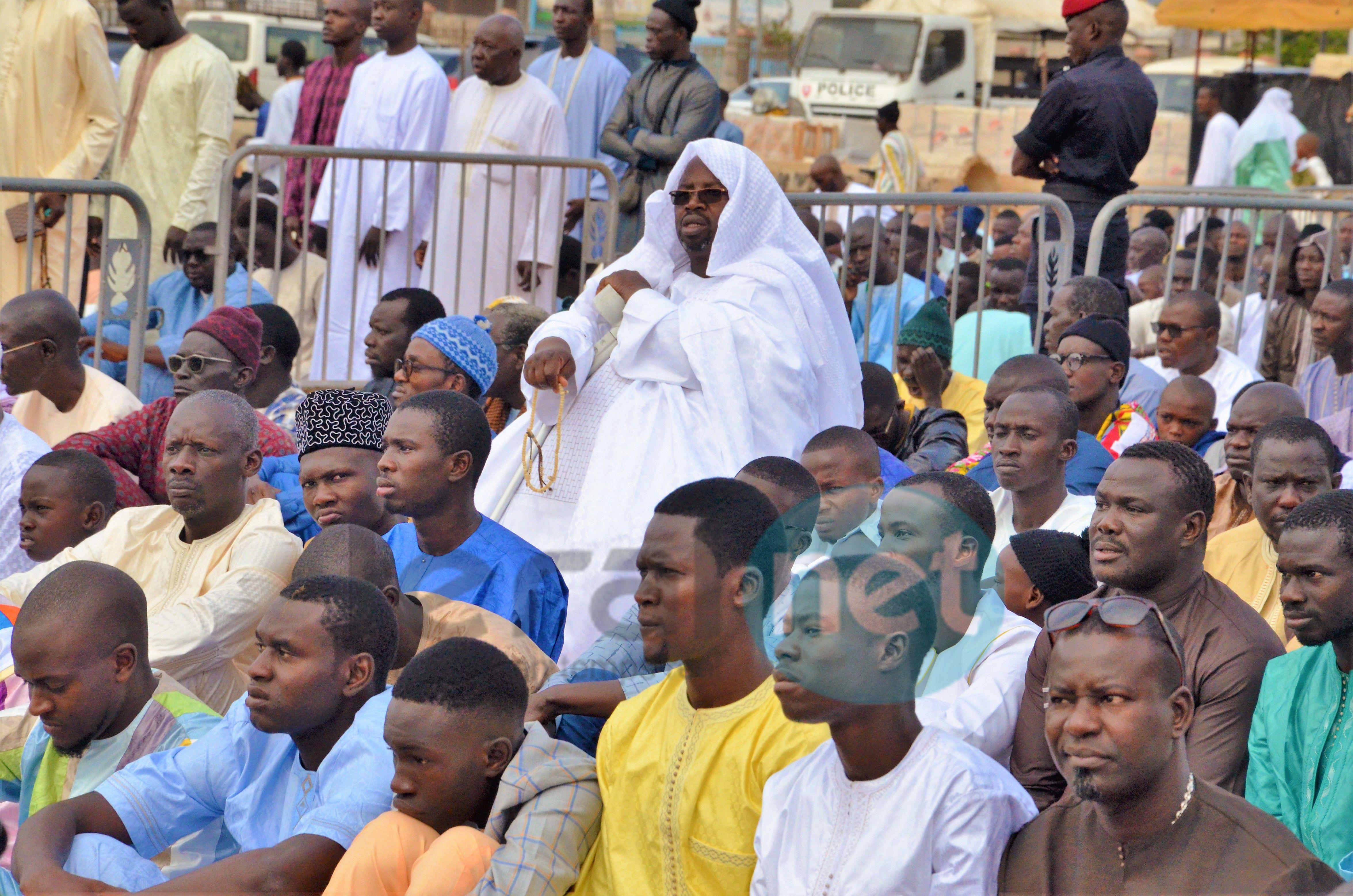 Les images de la prière de Korité à la Mosquée Massalikoul Jinane