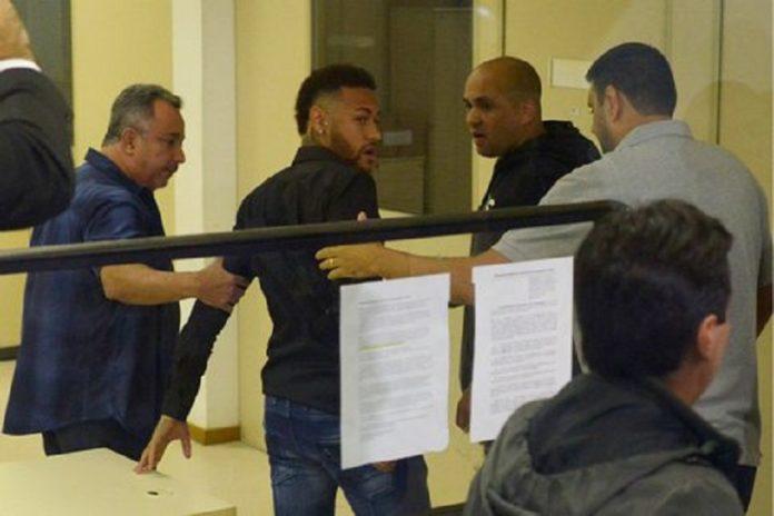 Accusation de viol: Neymar entendu par la police