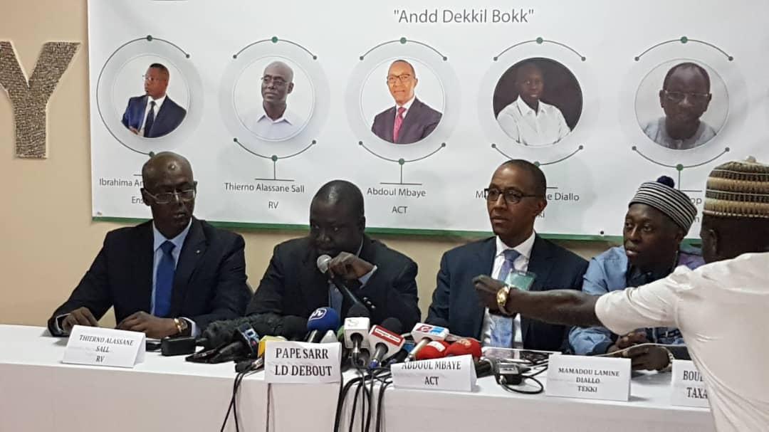 Affaire Petro-Tim: Abdoul Mbaye et Cie annoncent une plainte contre Macky Sall pour « haute trahison »