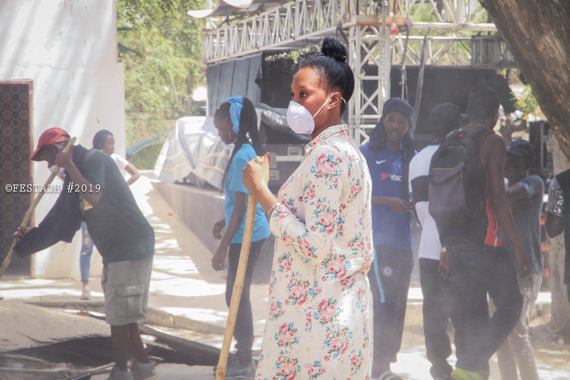 PHOTOS - FESTAH 2H Clean up challenge: Maison de la culture Douta Seck - Quand les rappeurs se mettent au boulot !