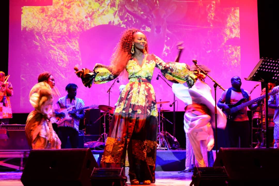 PHOTOS - Les images du concert  de Coumba Gawlo à l'Institut Français