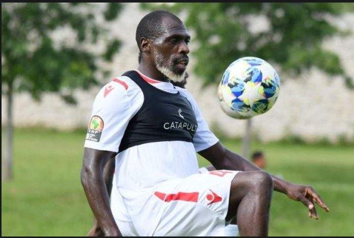 PHOTOS - Joash Onyango (Barbe Blanche) , 27 ans et défenseur de l'équipe du KENYA