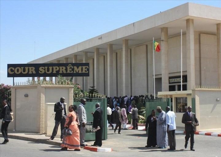 Cour suprême : vive altercation entre deux avocats, hier