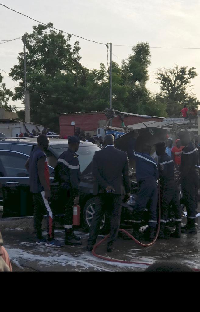 La limousine Présidentielle prend feu, tout ce que vous n'avez pas vu en images, regardez !