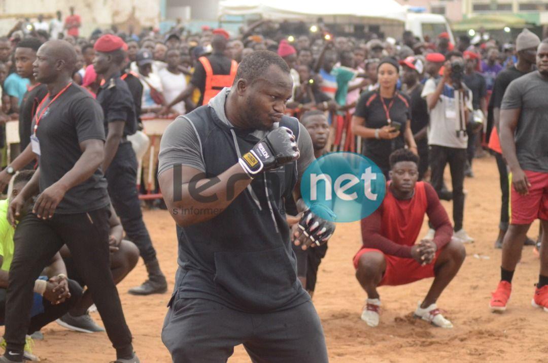 10 Photos - Open Press: Modou Lô en furie, démontre sa force