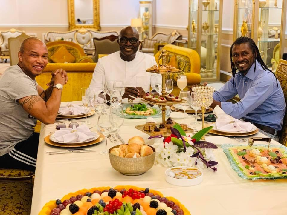 "PHOTOS: Babacar Nom ""réconcilie"" El Hadji Diouf et Aliou Cissé"