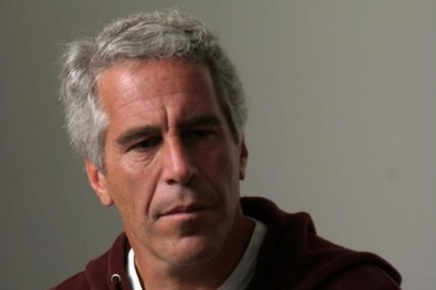 Dix jours après sa mort, que sait-on de plus sur Jeffrey Epstein ?