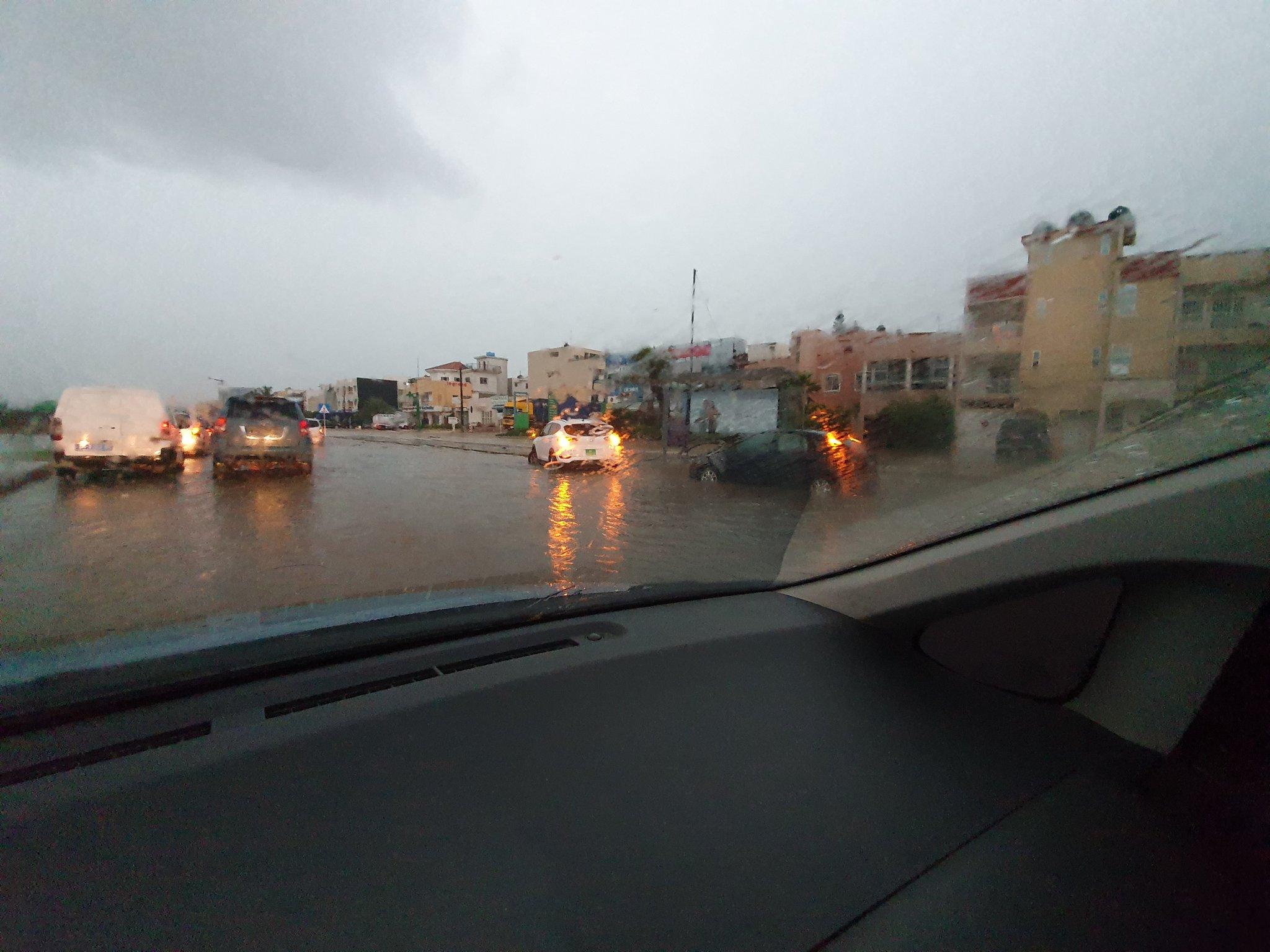 VIDEO + Fortes pluies à Dakar: La VDN inondée