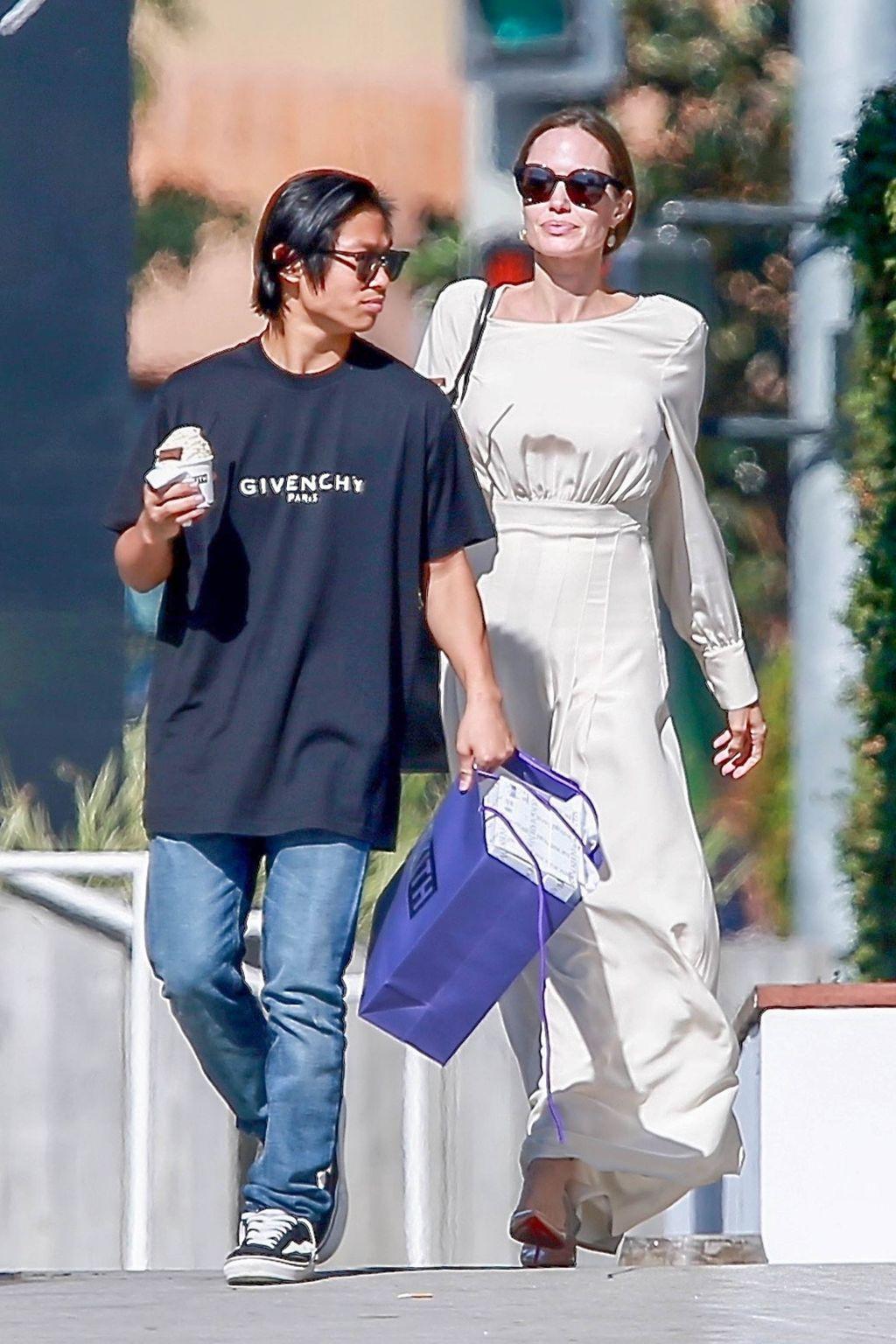 Angelina Jolie complètement dévastée d'être séparée de son fils Maddox