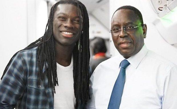 """PHOTOS - Bafétimbi Gomis: """"Ce fut un plaisir de partager ce vol avec Son Excellence Macky SALL"""""""