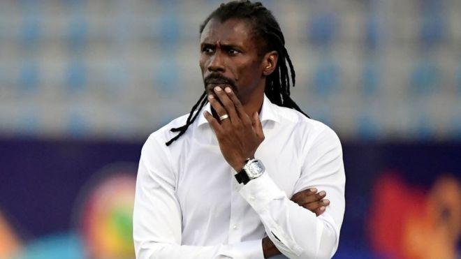 Équipe nationale : Augustin Senghor et Abdoulaye Sow Aliou se regardent en chien de faïence
