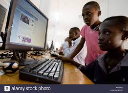 Installation du 1er Portail de signalement pour la protection des enfants en ligne