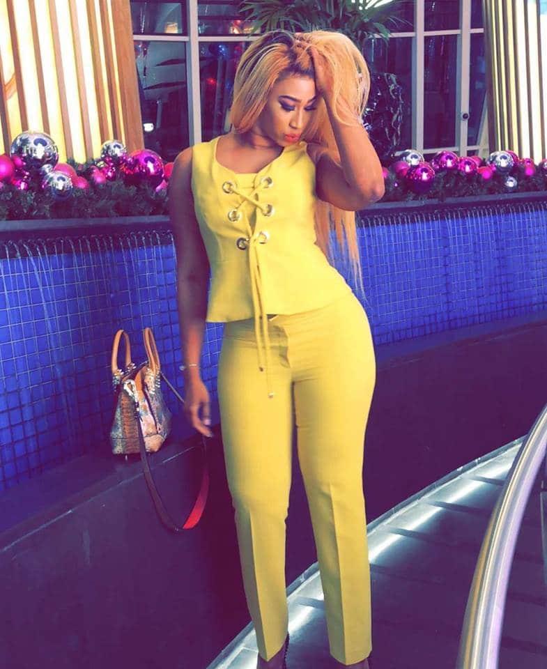 PHOTOS: Diaba Sora, la Kim Kardashian du Mali expose ses belles rondeurs