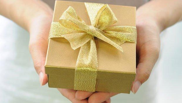 Idee Cadeau Etats Unis.Etats Unis Son Mari Lui Offre Un Cadeau Hors Du Commun